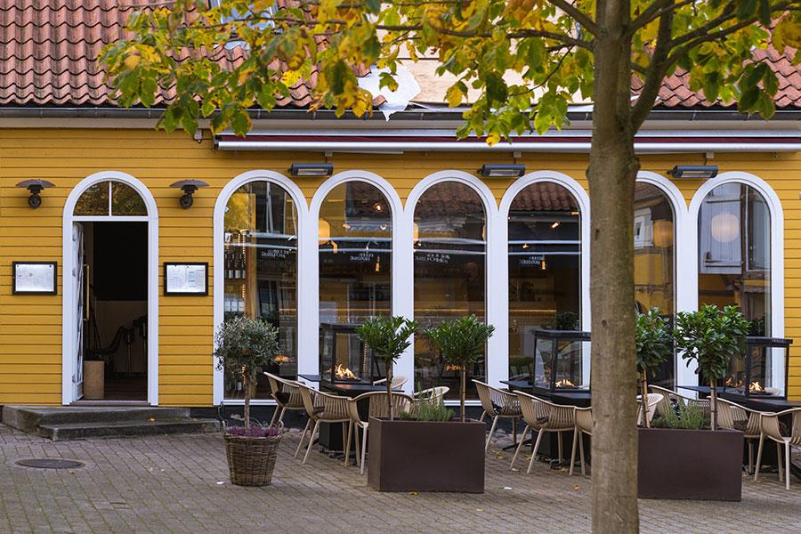 Besøg vinbaren Djalmas Vinbodega i Djalma Lunds Gaards hyggelige omgivelser